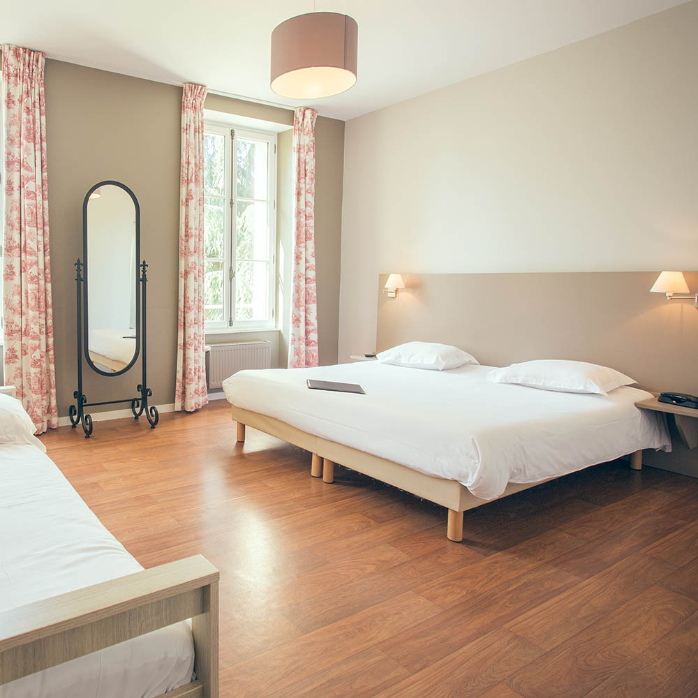 chambre hotel lit